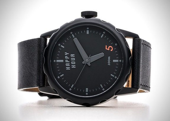 ceas-desfacator-sticle-bere-happy-hour-timepieces-1
