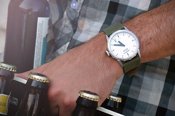 ceas-desfacator-sticle-bere-happy-hour-timepieces-2