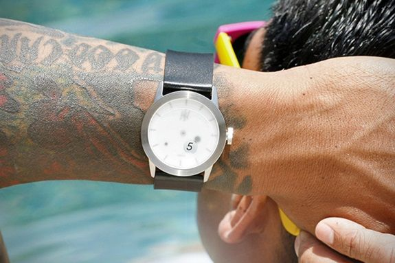 ceas-desfacator-sticle-bere-happy-hour-timepieces-4