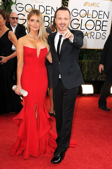 Aaron-Paul-joked-around-alongside-his-wife-Lauren-Parsekian-Golden-Globes