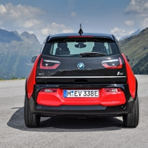 P90273520_highRes_the-new-bmw-i3s-08-2